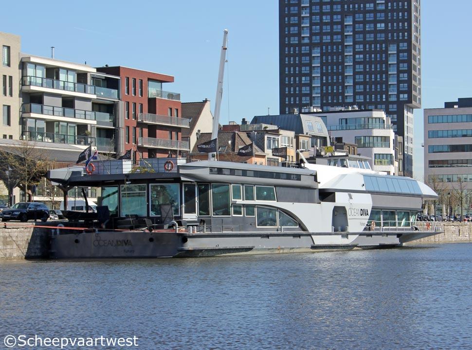 Scheepvaartwest ocean diva futura eni 02328645 - Diva futura video ...